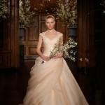 مدل لباس عروس با دامن پفی/وسایل مورد نیاز عروس