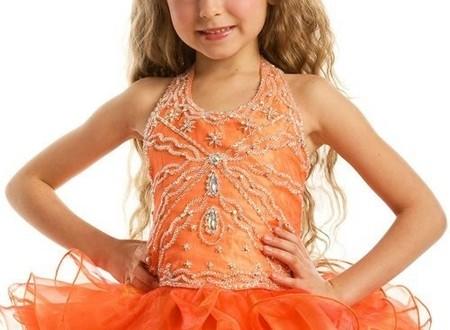 مدل-لباس-بچه-گانه-دختر-طرح-عروسکی-3