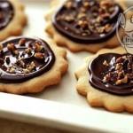 طرز تهیه شیرینی فندقی شکلاتی/شیرینی مخصوص عید