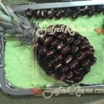 تزیین خرماهای گردویی با آناناس و به شکل آناناس : /شیرینی