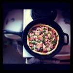 طرز تهیه پیتزا با خمیر بربری و سس مارینارا /آشپزی